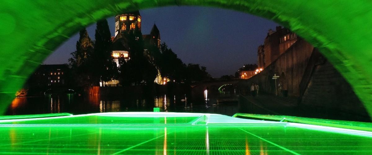 Sortie en bateau solaire à Metz et dégustation d'un vin de Moselle