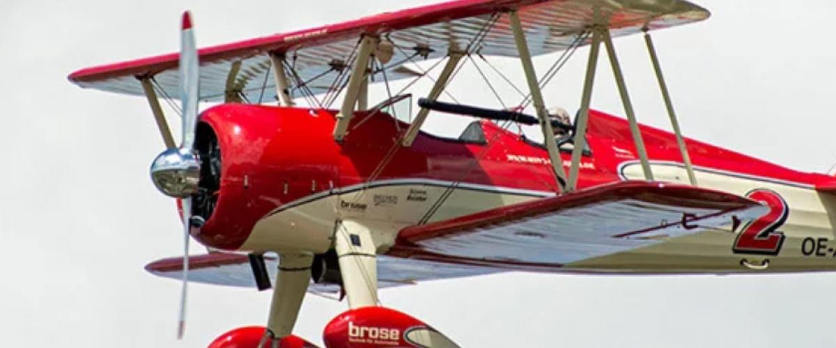 Vol à sensation dans nos avions de collection à la Roche-Sur-Yon