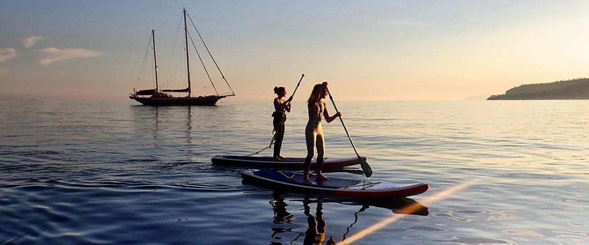 Balade en paddle en fin de journée dans les Calanques de Cassis