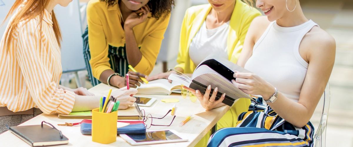 Atelier conseil en image entre filles à Bordeaux