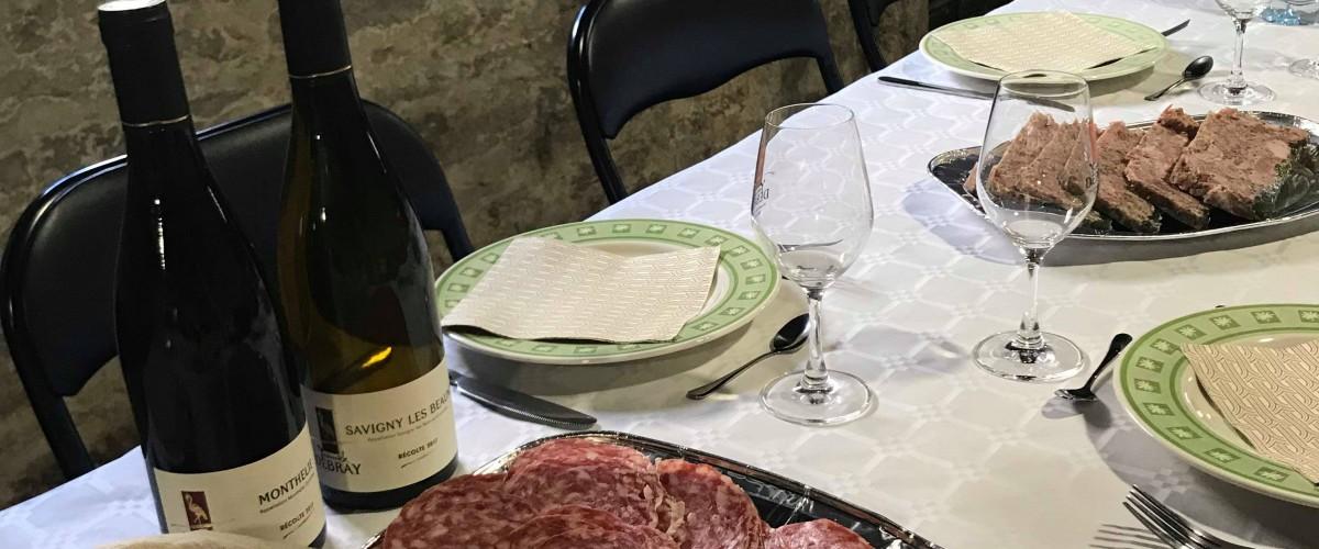 Dégustation de nos vins accompagnés d'un mâchon bourguignon à Beaune