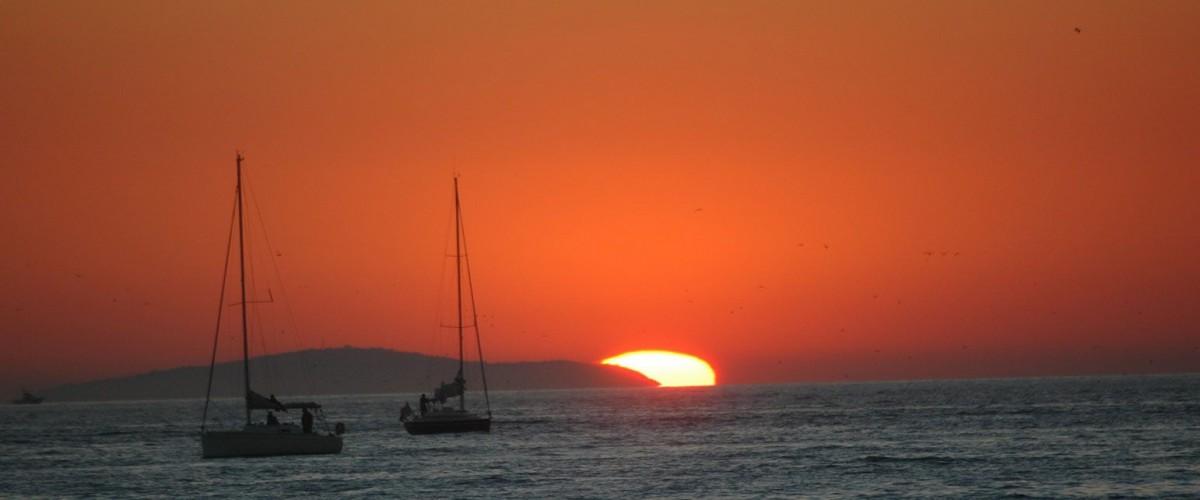 Balade en bateau et Cocktail coucher de soleil au Grau du Roi