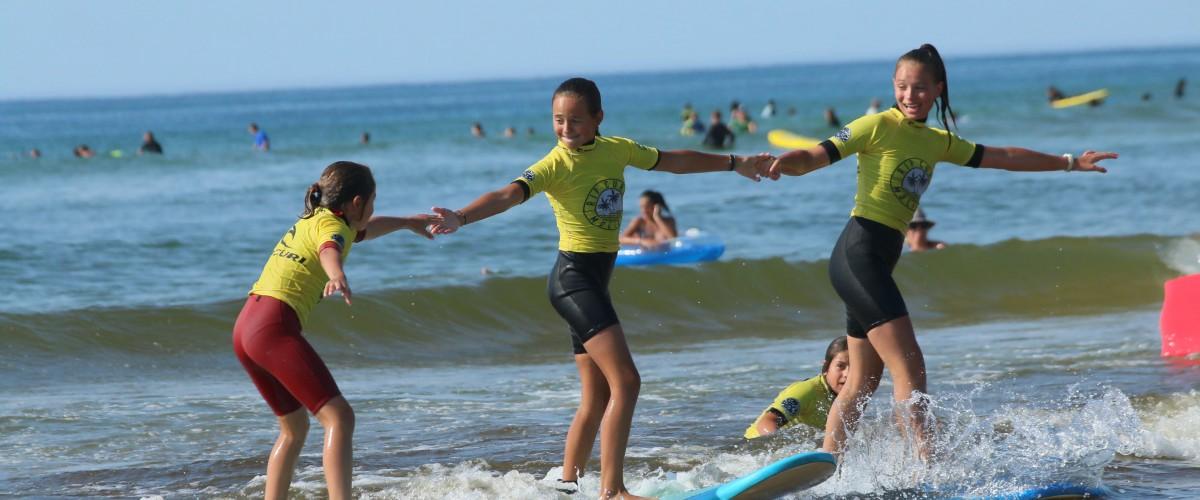Initiation au surf dans les Landes