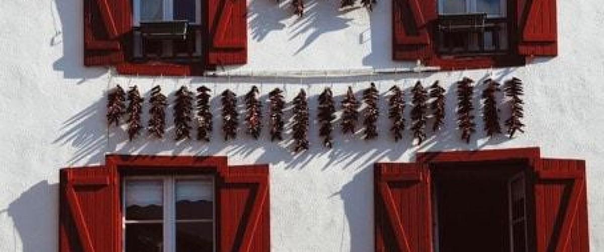 Visite guidée d'Espelette et de son célèbre piment