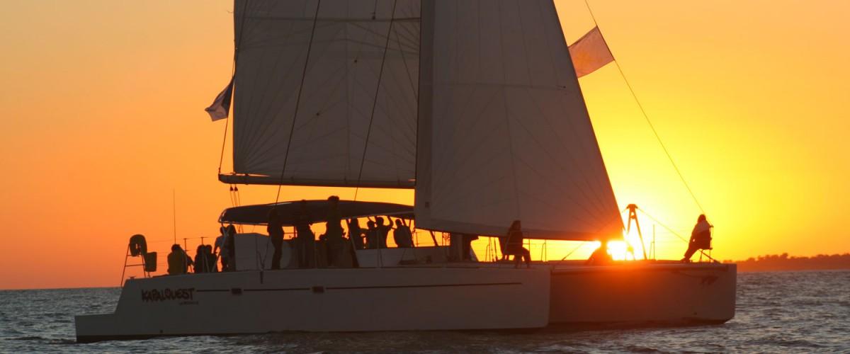 Croisière au couché du Soleil en Catamaran à La Rochelle