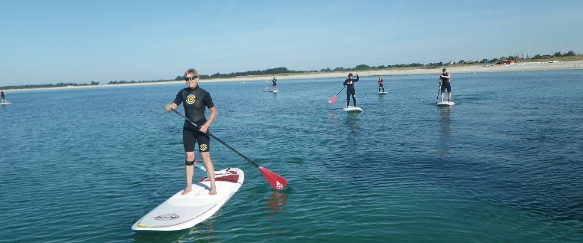 Initiation au paddle en groupe dans le Finistère