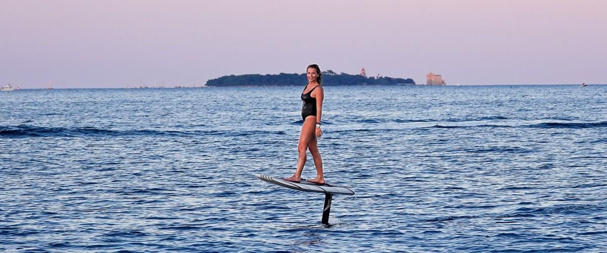 Initiation Foil électrique à Cannes - testez l'innovation du sport nautique !