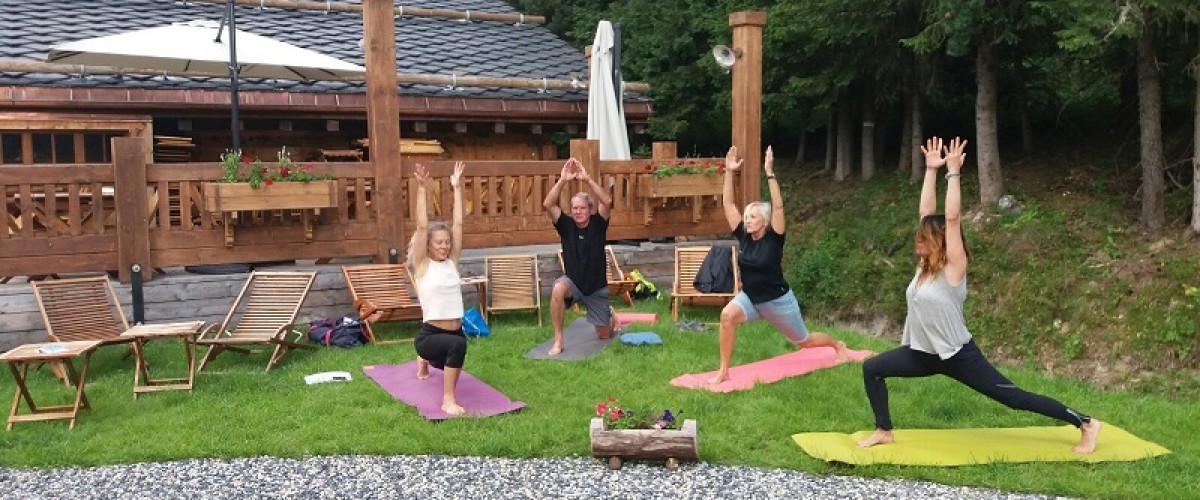 Session Yoga en plein air au clos Bernard
