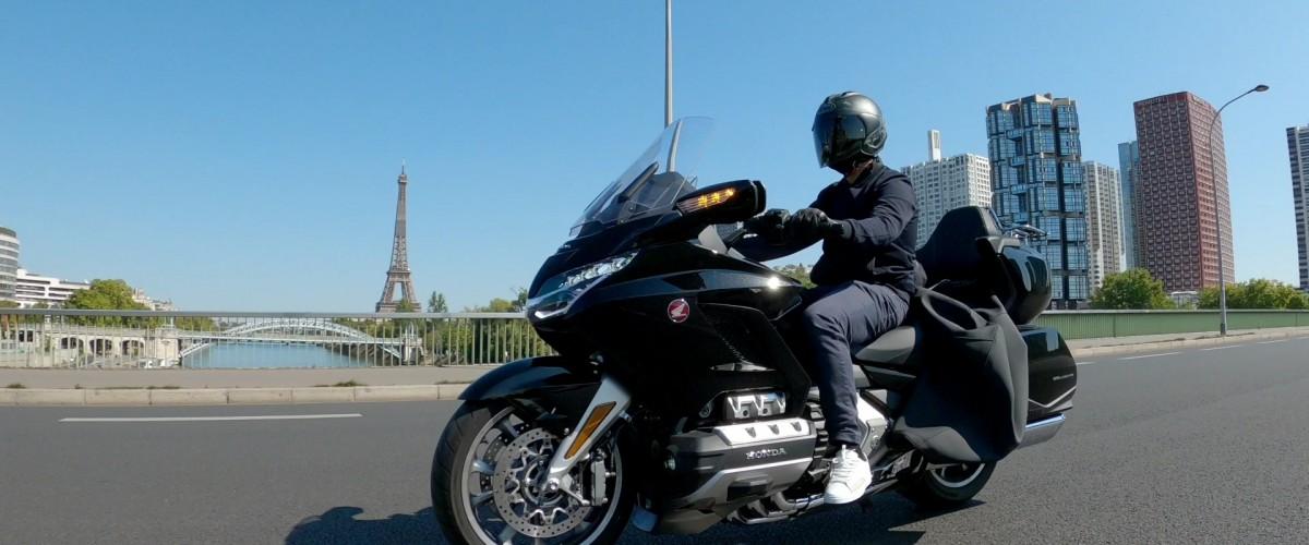 Paris By Night or Day en moto Goldwing !