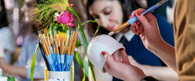 Teambuilding Peinture sur Céramique en entreprise