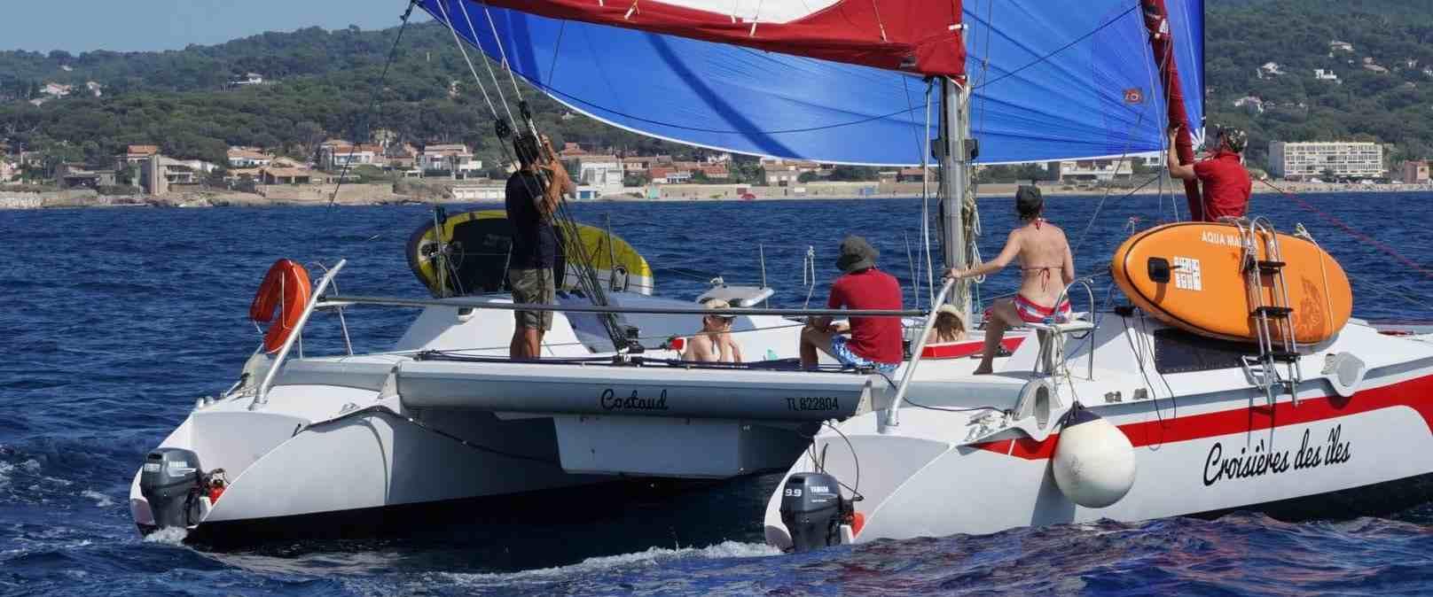 Une journée en catamaran entre amis