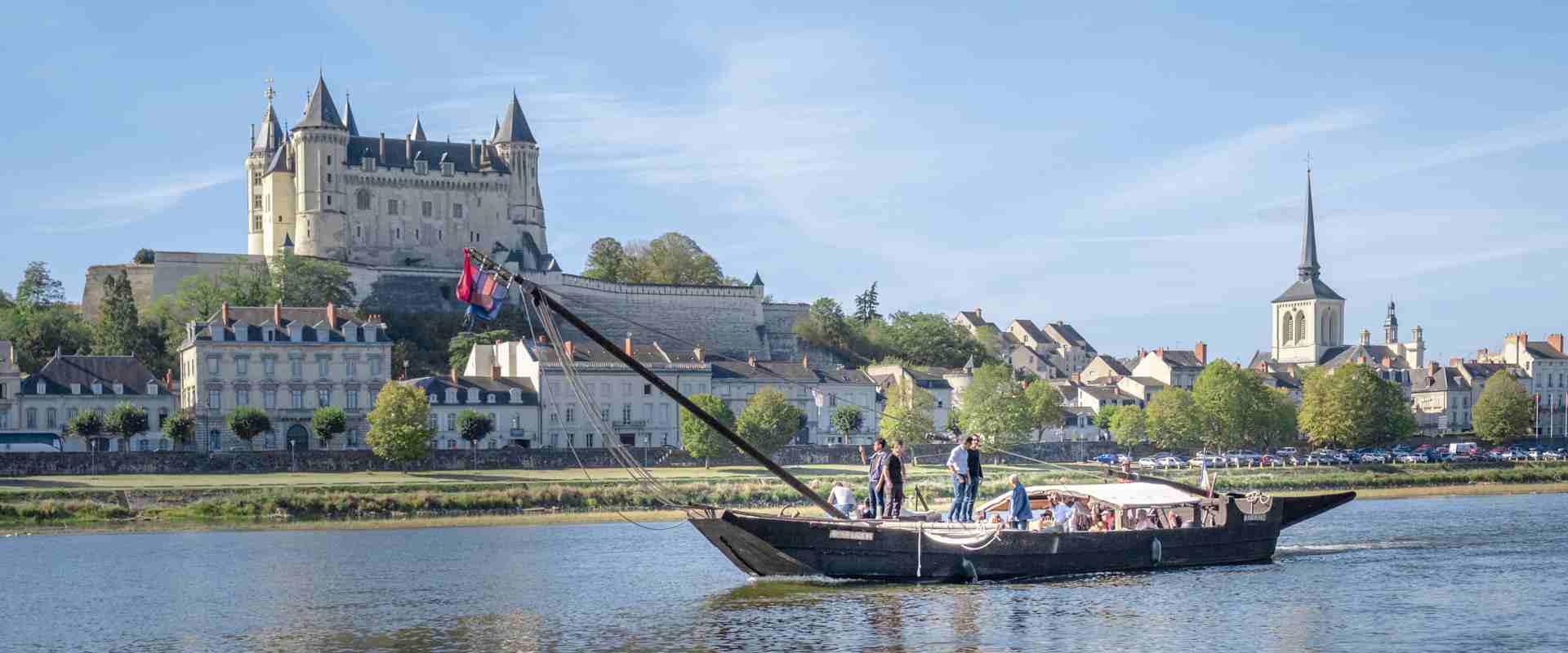Balade en Loire à bord d'un bateau en bois traditionnel