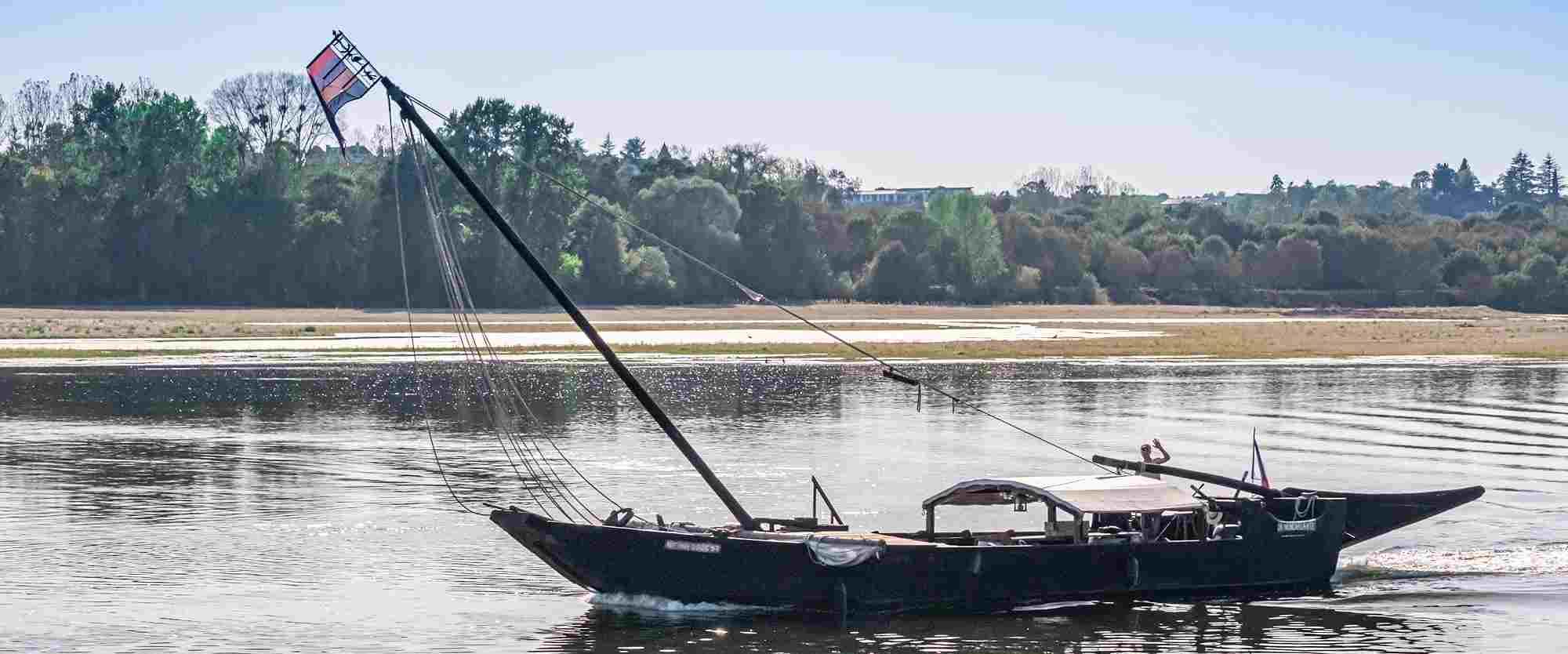 Balade en Bateau de bois en Loire - Coucher de soleil
